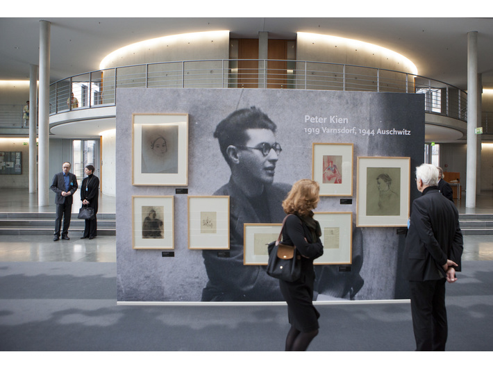 Opening of the exhibition //Death Did Not Have the Last Word//, Bundestag, Paul-Löbe-Haus, 27 January 2015, courtesy of Deutscher Bundestag / Julia Nowak